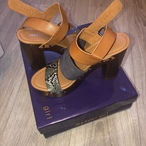 Madden Girl, Cogna Mul Sandals